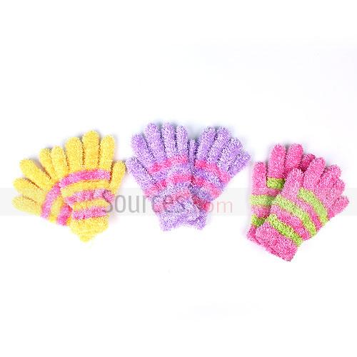 Feather yarn gloves