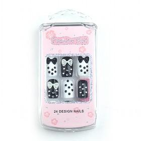 Cute Black And White Spots Decorative Fake Nail Set