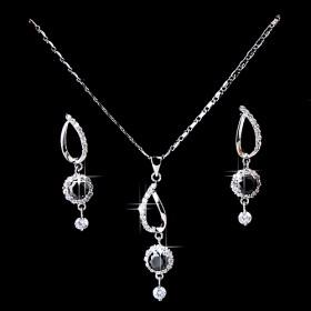Fashion Design Zircon Necklace Set
