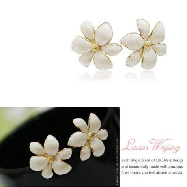 Wholesale fashion elegant golden white flower earrings ear nail girl fashion elegant golden white flower earrings ear nail girl gift accessory mightylinksfo